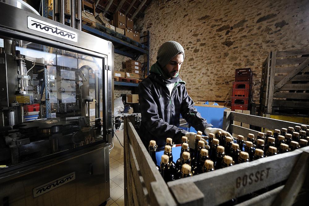 Reportage au coeur de la production artisanal des bières de Brie, à la Brasserie Rabourdin.