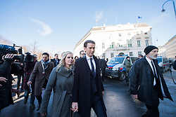 18.12.2017, Ballhausplatz, Wien, AUT, Bundesregierung, Angelobung der neuen Türkis Blauen Bundesregierung, im Bild ÖVP-Chef Sebastian Kurz mit seiner Freundin Susanne Thier am Weg vom Außenministerium zur Hofburg // Head of the Austrian Peoples Party (OeVP) Sebastian Kurz with his girlfriend Susanne Thier during inauguration of the new government of Austrian Peoples Party and Austrian Freedom Party at Ballhausplatz in Vienna, Austria on 2017/12/18 EXPA Pictures © 2017, PhotoCredit: EXPA/ Michael Gruber