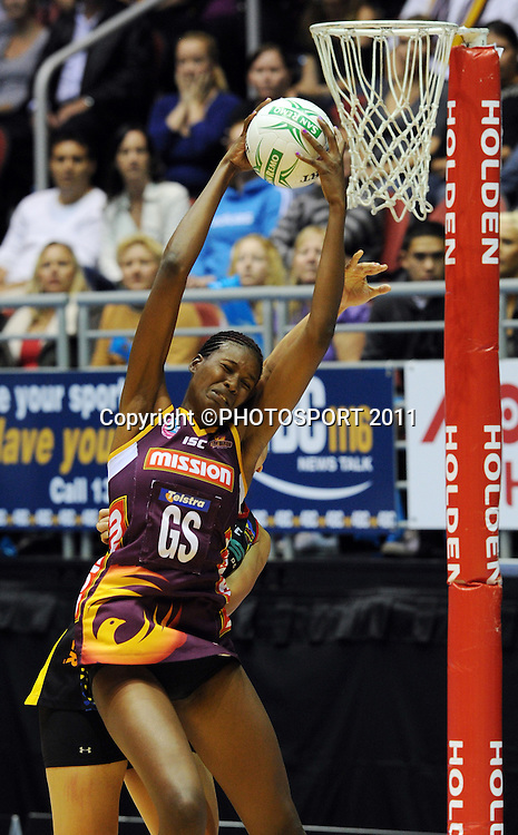 Firebirds Goal Shoot Romelda Aitken.<br /> ANZ Netball Championship, Queensland Firebirds v BOP Magic, Semi Final. Gold Coast Convention Centre, Gold Coast, Australia, Monday 9 May 2011. Photo: Andrew Cornaga/photosport.co.nz