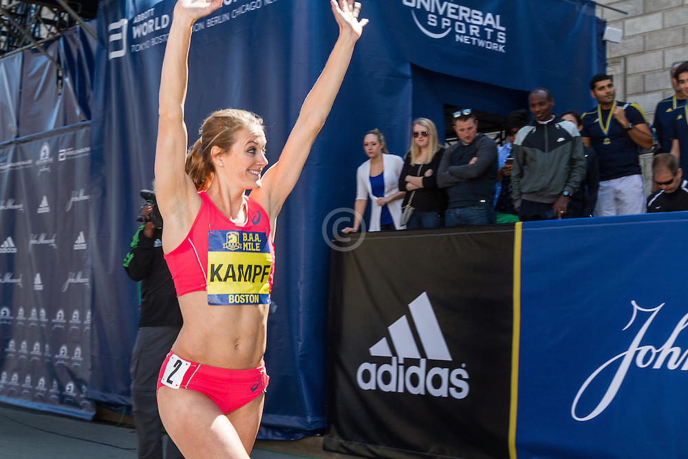 Boston Marathon: BAA Invitational Mile, Women, Heather Kampf