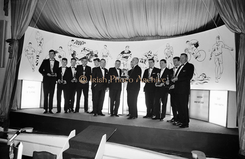 The Caltex Sports Star of the Year Awards were presented at the Gresham Hotel, Dublin, by An Taoiseach Seán Lemass..08.02.1965