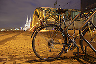 DEU, Germany, Cologne, Cologne, bicycle, Hohenzollern bridge and the cathedral.....DEU, Deutschland, Koeln, Fahrrad, Hohenzollernbruecke und Dom...