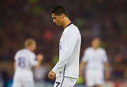 ROME, ITALY - Tuesday, May 26, 2009: Manchester United's Cristiano Ronaldo lookss dejected after his side lose 2-0 to Barcelona during the UEFA Champions League Final at the Stadio Olimpico. (Pic by Carlo Baroncini/Propaganda)