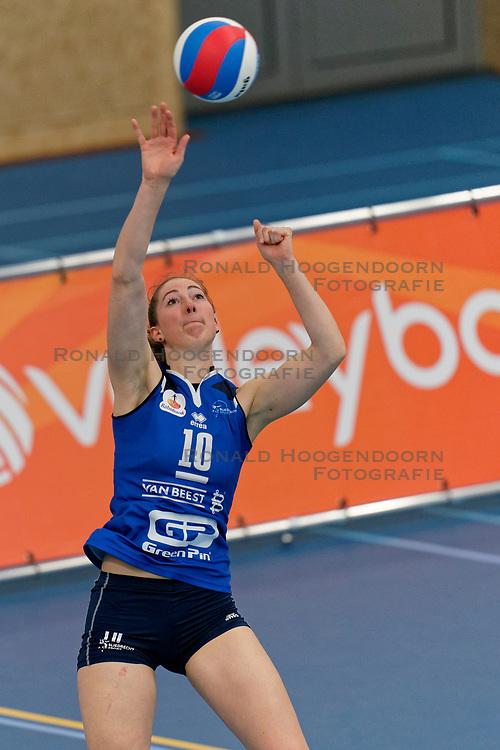 26-10-2019 NED: Talentteam Papendal - Sliedrecht Sport, Ede<br /> Round 4 of Eredivisie volleyball - Carlijn Ghijssen-Jans #10 of Sliedrecht Sport
