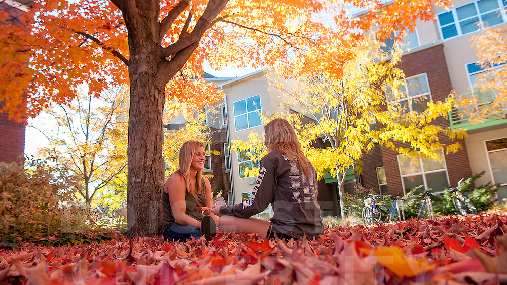 Amanda Alexander (Green tank), Health Sciences, Freshman, Tawnie Pace (Gray long sleeves), Pre-Med, Freshman, Fall, Campus Scenes, Student Life, Photo by Wankun Sirichotiyakul