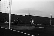 05/05/1965<br /> 05/05/1965<br /> 05 May 1965<br /> Ireland v Spain, World Cup Qualifier at Dalymount Park, Dublin. Spanish keeper eves with Olivella (5) in support while Ireland's Noel Cantwell (9) closes in.