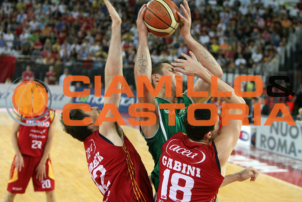 DESCRIZIONE : Roma Lega A1 2007-08 Playoff Semifinale Gara 3 Lottomatica Virtus Roma Air Avellino<br /> GIOCATORE : Catalin Burlacu<br /> SQUADRA : Air Avellino<br /> EVENTO : Campionato Lega A1 2007-2008 <br /> GARA : Lottomatica Virtus Roma Air Avellino<br /> DATA : 27/05/2008 <br /> CATEGORIA : <br /> SPORT : Pallacanestro <br /> AUTORE : Agenzia Ciamillo-Castoria/E.Castoria