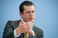 12 APR 2010, BERLIN/GERMANY:<br /> Karl-Theodor zu Guttenberg, CDU, Bundesverteidigungsminister, waehrend einer Pressekonferenz zur Vorstellung der Strukturkommission der Bundeswehr, Bundespressekonferenz<br /> IMAGE: 20100412-01-015