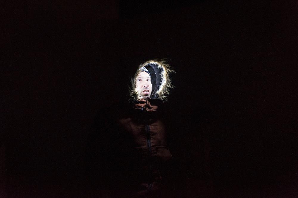 TH&Eacute;&Acirc;TRE INCLIN&Eacute;<br /> LA MORSURE DE L&rsquo;ANGE. 20 au 23 octobre 2015. Espace Go. Texte: Daniel Danis. Images et mise en sc&egrave;ne: Alain Lavall&eacute;e et Jos&eacute; Babin. Interpr&egrave;tes: Denys Lefebvre et Alain Lavall&eacute;e. Collaboration artistique: Fabrizio Montecchi.