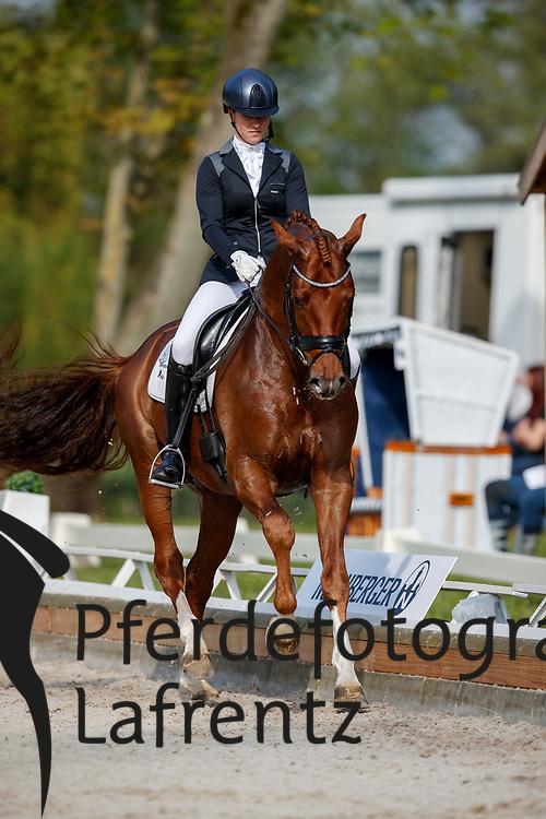 Bammel, Lena (GER), Flanell<br /> Redefin - Pferdefestival 2017<br /> © Stefan Lafrentz