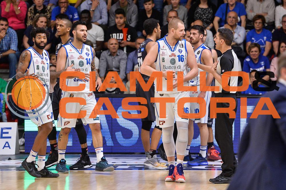 Tautvydas Lydeka Denny Borgioni<br /> Banco di Sardegna Dinamo Sassari - Dolomiti Energia Aquila Basket Trento<br /> Legabasket Serie A LBA Poste Mobile 2016/2017<br /> Playoff Quarti Gara3<br /> Sassari 16/05/2017<br /> Foto Ciamillo-Castoria