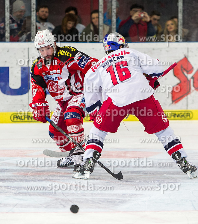 26.03.2015, Eisarena, Salzburg, AUT, EBEL, EC Red Bull Salzburg vs EC KAC, 64. Runde, Halbfinale, 3. Spiel, im Bild v.l: Thomas Koch (KAC), Ryan Duncan (EC Red Bull Salzburg) // during the Erste Bank Icehockey League 64th round 3rd semifinal match between EC Red Bull Salzburg and EC KAC at the Eisarena in Salzburg, Austria on 2015/03/26. EXPA Pictures © 2015, PhotoCredit: EXPA/ JFK