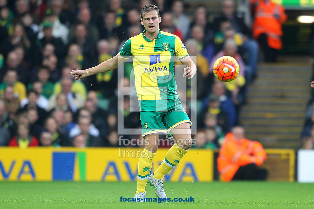 Ryan Bennett of Norwich in action during the Barclays Premier League match at Carrow Road, Norwich<br /> Picture by Paul Chesterton/Focus Images Ltd +44 7904 640267<br /> 24/10/2015