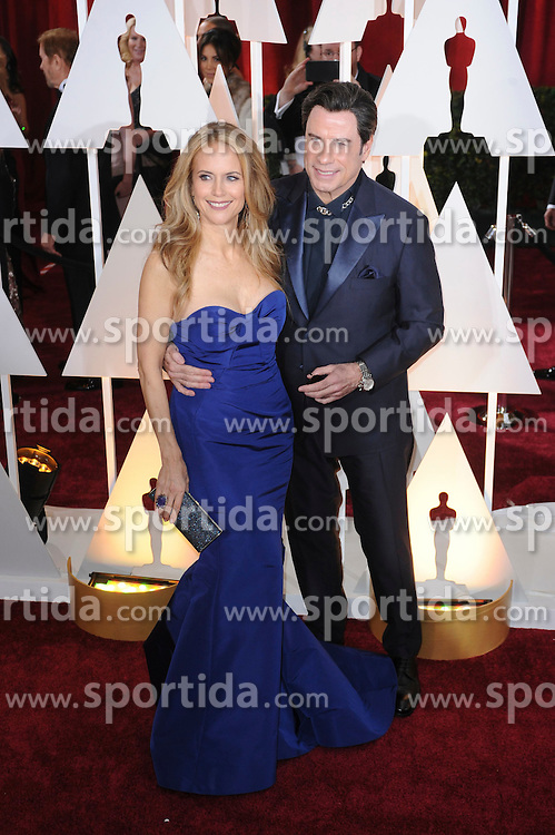 22.02.2015, Dolby Theatre, Hollywood, USA, Oscar 2015, 87. Verleihung der Academy of Motion Picture Arts and Sciences, im Bild John Travolta, Kelly Preston // attends 87th Annual Academy Awards at the Dolby Theatre in Hollywood, United States on 2015/02/22. EXPA Pictures &copy; 2015, PhotoCredit: EXPA/ Newspix/ PGMP<br /> <br /> *****ATTENTION - for AUT, SLO, CRO, SRB, BIH, MAZ, TUR, SUI, SWE only*****