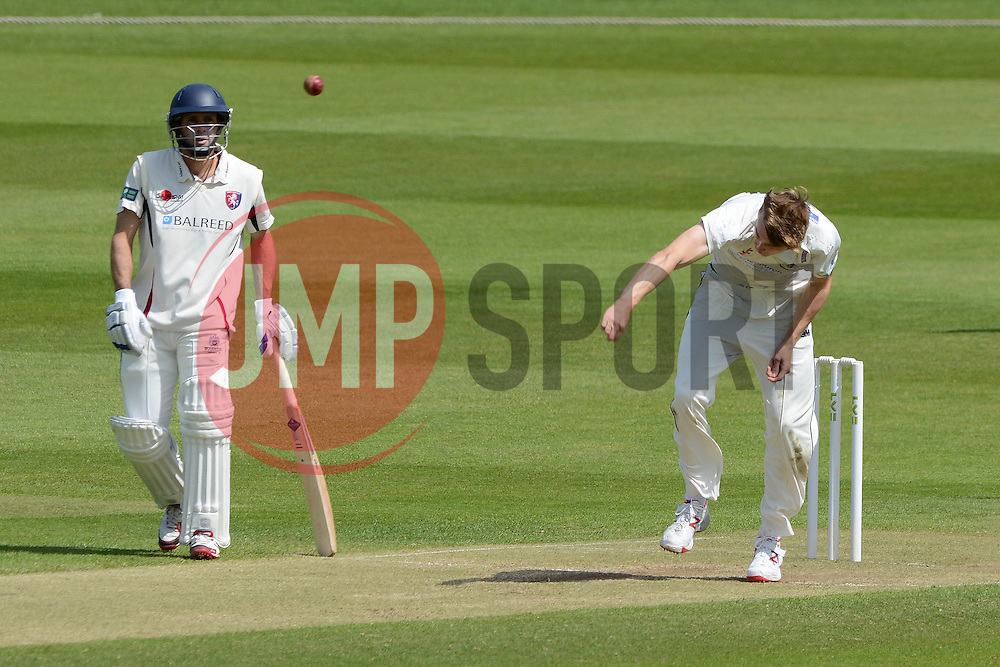 Craig Miles of Gloucestershire - Photo mandatory by-line: Dougie Allward/JMP - Mobile: 07966 386802 - 21/05/2015 - SPORT - Cricket - Bristol - County Ground - Gloucestershire v Kent - LV=County Cricket