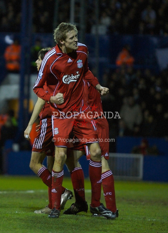LUTON, ENGLAND - Sunday, January 6, 2008: Liverpool's Peter Crouch celebrates scoring against Luton Town during the FA Cup 3rd Round match at Keniworth Road. (Photo by David Rawcliffe/Propaganda)