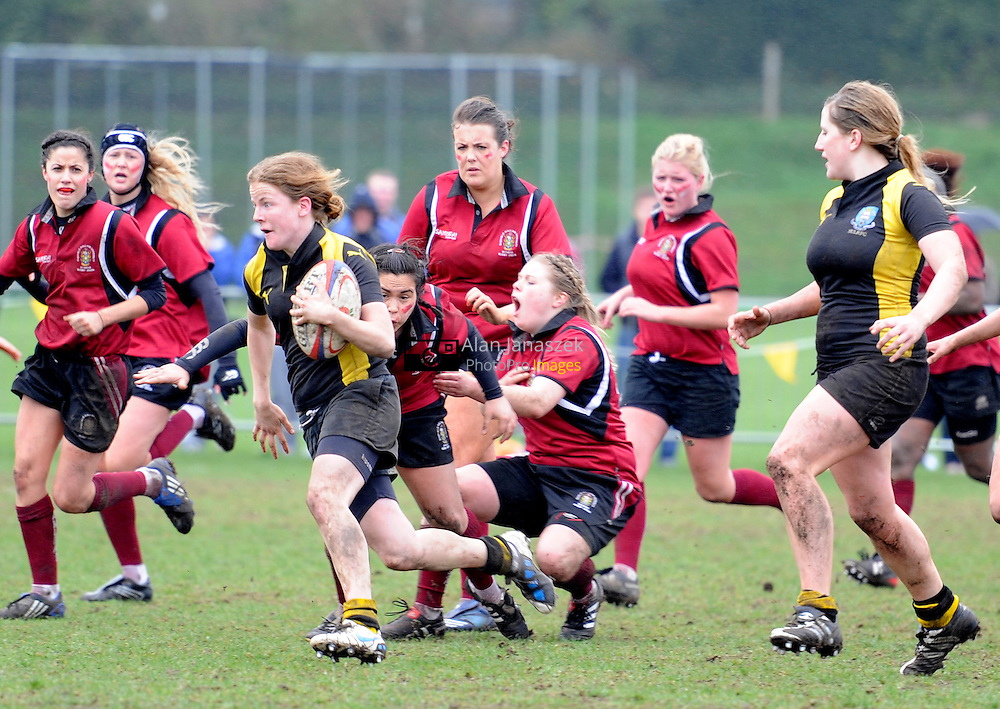 Women's Rugby 1st - Sheffield Uni (black & gold) v Hallam (red)