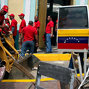 VENEZUELAN POLITICS / POLITICA EN VENEZUELA<br /> Supporters of President Hugo Chavez during garbage collection campaign in the Plaza de La Pastora / Simpatizantes del gobierno del presidente Hugo Chavez durante campaña de recoleccion de basura en la Plaza de La Pastora<br /> Caracas - Venezuela 2008<br /> (Copyright © Aaron Sosa)