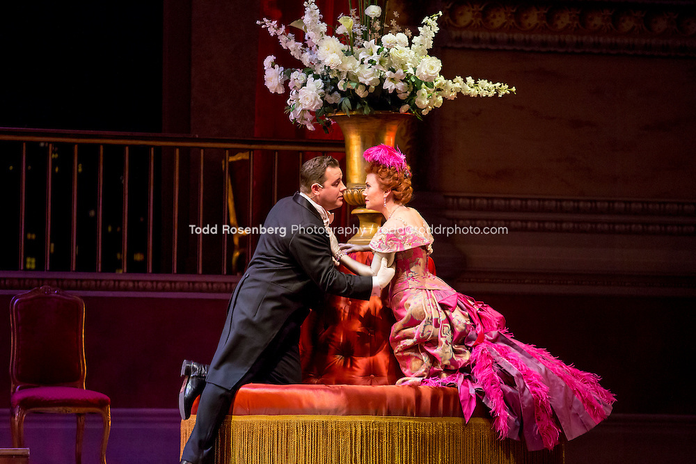 11/11/15 1:36:34 PM -- <br /> The Lyric Opera of Chicago Presents<br /> &quot;The Merry Widow&quot;<br /> Renee Fleming<br /> <br /> &copy; Todd Rosenberg Photography 2015