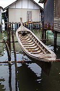 The settlement at Ko Panyi was established by nomadic Malay fisherman.  The settlement was built on stilts for easy access for fishermen and their families who live on the island. In the 18th century, when the community was established, it was not possible for non-Thais to own land, so a stilt fishing community on the sea was born.