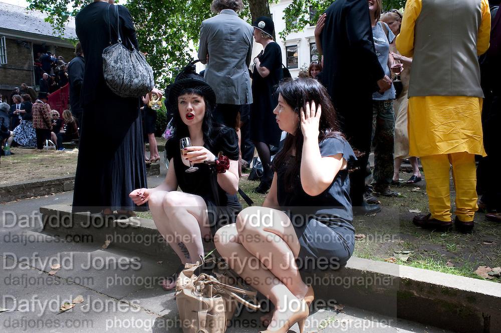 HANNAH HILL; ALEXIS SHEFFIELD, Sebastian Horsley funeral. St. James's church. St. James. London afterwards in the church garden. July 1 2010. -DO NOT ARCHIVE-© Copyright Photograph by Dafydd Jones. 248 Clapham Rd. London SW9 0PZ. Tel 0207 820 0771. www.dafjones.com.