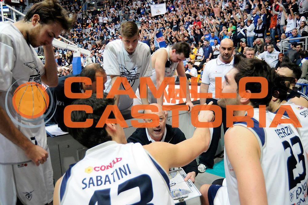 DESCRIZIONE : Bologna LNP DNB Adecco Silver GironeA 2013-14 Fortitudo Bologna Basket Cecina<br /> GIOCATORE : Coach Tinti Antonio <br /> SQUADRA : Fortitudo Bologna <br /> EVENTO : LNP DNB Adecco Silver GironeA 2013-14<br /> GARA :  Fortitudo Bologna Basket Cecina <br /> DATA : 05/01/2014<br /> CATEGORIA : Fair Play TimeOut Direttive<br /> SPORT : Pallacanestro<br /> AUTORE : Agenzia Ciamillo-Castoria/A.Giberti<br /> Galleria : LNP DNB Adecco Silver GironeA 2013-14<br /> Fotonotizia : Bologna LNP DNB Adecco Silver GironeA 2013-14 Fortitudo Bologna Basket Cecina<br /> Predefinita :