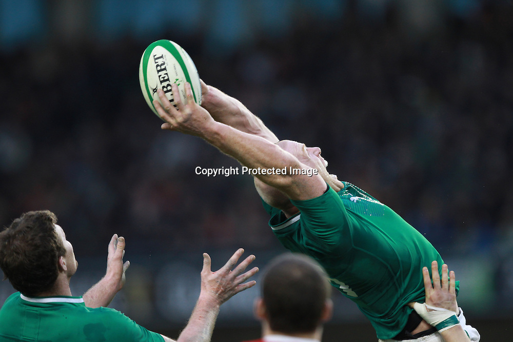 RBS Six Nations Championship, Aviva Stadium, Dublin 5/2/2012<br /> Ireland vs Wales<br /> Ireland's Paul O'Connell gets the ball<br /> Mandatory Credit &copy;INPHO/Billy Stickland