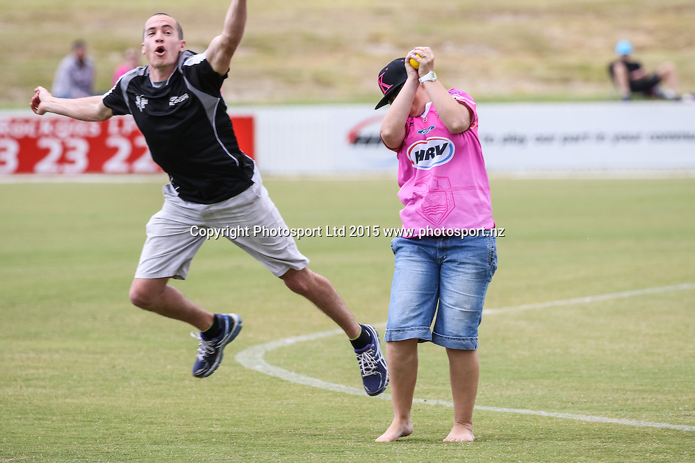 Catch competition at half time.  Georgie Pie Super Smash - SKYCITY Northern Knights v Canterbury Kings. Cobham Oval, Whangarei, New Zealand. Sunday November 15, 2015. Copyright Photo: Heath Johnson / www.photosport.nz