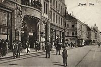Zagreb : Ilica. <br /> <br /> Impresum[S. l. : s. n., 1919].<br /> Materijalni opis1 razglednica : tisak ; 8,9 x 14 cm.<br /> Vrstavizualna građa • razglednice<br /> ZbirkaZbirka razglednica • Grafička zbirka NSK<br /> ProjektPozdrav iz Hrvatske • Pozdrav iz Zagreba<br /> Formatimage/jpeg<br /> PredmetZagreb –– Ilica<br /> Jezikfrancuski • hrvatski<br /> SignaturaRZG-ILIC-50<br /> Obuhvat(vremenski)20. stoljeće<br /> NapomenaRazglednica je putovala je 1919. godine.<br /> PravaJavno dobro<br /> Identifikatori000976404<br /> NBN.HRNBN: urn:nbn:hr:238:325127 <br /> <br /> Izvor: Digitalne zbirke Nacionalne i sveučilišne knjižnice u Zagrebu