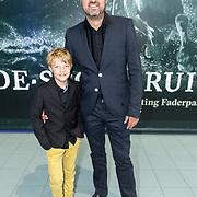 NLD/Leeuwarden/20180908 - Koning Willem Alexander en Beatrix aanwezig bij premiere de Stormruiter, Kees Boot en zoon
