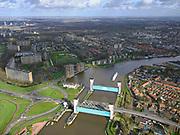 Nederland, Zuid-Holland, Capelle aan den IJssel, 25-02-2020; Algerakering, ook Stormvloedkering Hollandse IJssel, het eerste van de Deltawerken. Gebouwd na de watersnoodramp in 1953. Beschermd het achterland tegen overstromingen als er hoog water is. Gelegen op grens met Krimpen aan de IJssel. <br /> lgera barrier, also Storm surge barrier Hollandse IJssel, the first of the Delta Works. Built after the flood disaster in 1953. Protects the hinterland against flooding when there is high water<br /> luchtfoto (toeslag op standard tarieven);<br /> aerial photo (additional fee required)<br /> copyright © 2020 foto/photo Siebe Swart
