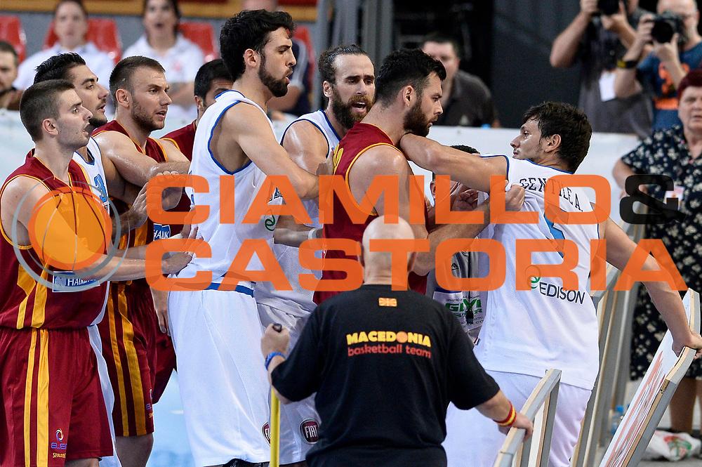 DESCRIZIONE : Skopje Nazionale Italia Uomini Torneo Internazionale di Skopje Italia Macedonia Italy FYROM<br /> GIOCATORE : Alessandro Gentile<br /> CATEGORIA : Delusione<br /> SQUADRA : Italia Italy<br /> EVENTO : Trofeo Internazionale di Skopje<br /> GARA : Italia Macedonia Italy FYROM<br /> DATA : 26/07/2014<br /> SPORT : Pallacanestro<br /> AUTORE : Agenzia Ciamillo-Castoria/GiulioCiamillo<br /> Galleria : FIP Nazionali 2014<br /> Fotonotizia : Skopje Nazionale Italia Uomini Torneo Internazionale di Skopje Italia Macedonia Italy FYROM