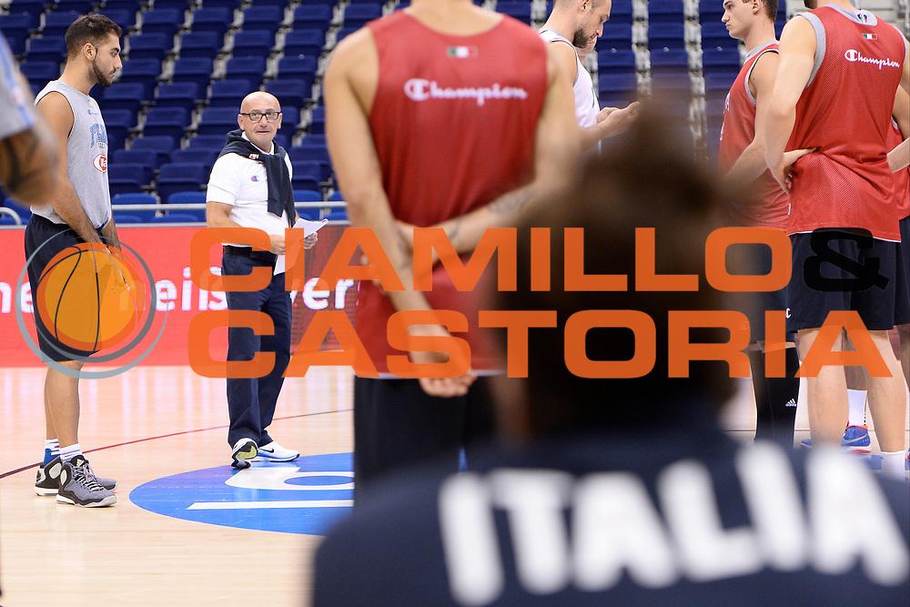 DESCRIZIONE: Berlino EuroBasket 2015 - Allenamento<br /> GIOCATORE:Luca Dalmonte<br /> CATEGORIA: Allenamento<br /> SQUADRA: Italia Italy<br /> EVENTO:  EuroBasket 2015 <br /> GARA: Berlino EuroBasket 2015 - Allenamento<br /> DATA: 08-09-2015<br /> SPORT: Pallacanestro<br /> AUTORE: Agenzia Ciamillo-Castoria/I.Mancini<br /> GALLERIA: FIP Nazionali 2015<br /> FOTONOTIZIA: Berlino EuroBasket 2015 - Allenamento