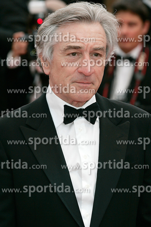 "11.05.2011, Cannes, FRA, Filmfestspiele von Cannes 2011, im Bild Jury president and actor Robert De Niro attending the 63rd Annual Cannes Film Festival / Festival de Cannes 2011 - Opening and premiere of ""Midnight in Paris"" .FESTIWAL FILMOWY W CANNES.PREMIERA FILMU.FOT. EXPA Pictures © 2011, PhotoCredit: EXPA/ EXPA/ Newspix/ Future Images +++++ ATTENTION - FOR AUSTRIA/(AUT), SLOVENIA/(SLO), SERBIA/(SRB), CROATIA/(CRO), SWISS/(SUI) and SWEDEN/(SWE) CLIENT ONLY +++++"