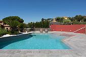 Modern Pool 779