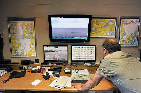 Nederland, Urk, 25-8-2011Post workboats, redding en hulpverlening op het ijsselmeer.Vanuit het kantoor op de wal wordt het ijsselmeer in de gaten gehouden.Foto: Flip Franssen/Hollandse Hoogte