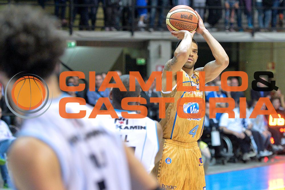 DESCRIZIONE : Desio Lega A 2014-15 <br /> Acqua Vitasnella Cant&ugrave; vs Vagoli Basket Cremona<br /> GIOCATORE : James Feldeine<br /> CATEGORIA : Tiro<br /> SQUADRA : Acqua Vitasnella Cant&ugrave;<br /> EVENTO : Campionato Lega A 2014-2015 GARA :Acqua Vitasnella Cant&ugrave; vs Vagoli Basket Cremona<br /> DATA : 20/04/2015 <br /> SPORT : Pallacanestro <br /> AUTORE : Agenzia Ciamillo-Castoria/IvanMancini<br /> Galleria : Lega Basket A 2014-2015 Fotonotizia : Desio Lega A 2014-15 Acqua Vitasnella Cant&ugrave; vs Vagoli Basket Cremona<br /> Predefinita: