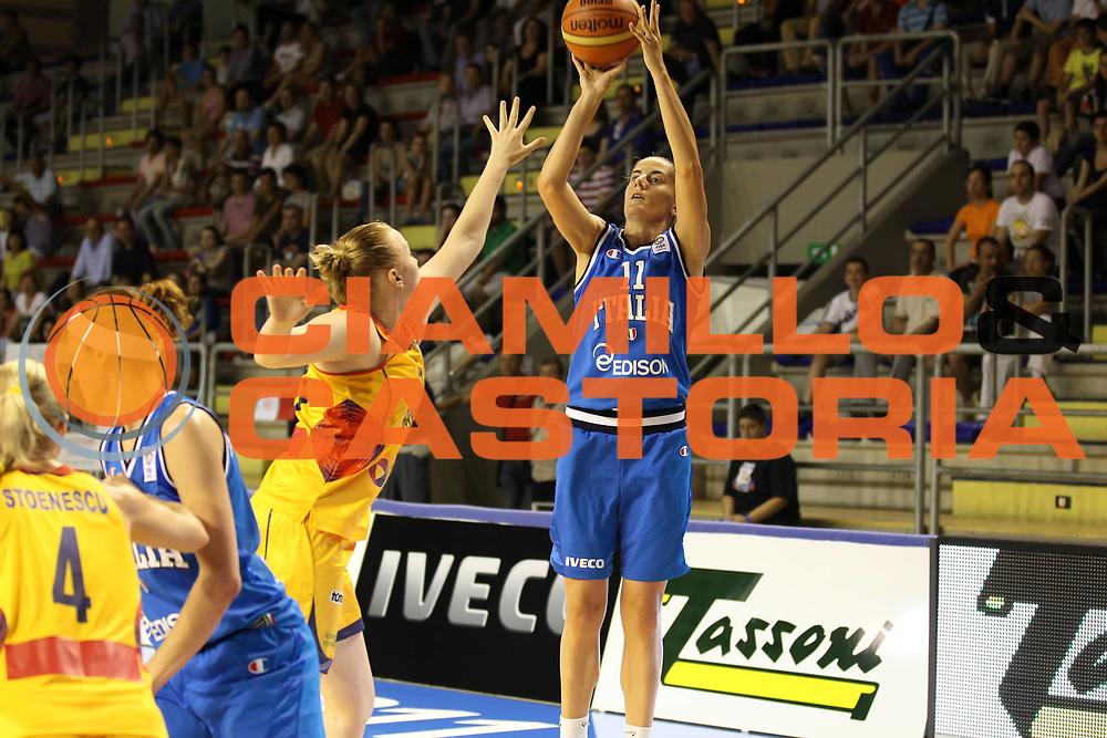 DESCRIZIONE : Taranto Torneo di qualificazione Campionati Europei donne Polonia 2011 Romania Italia Romania Italy<br /> GIOCATORE : Raffaella Masciadri<br /> SQUADRA : Italia Italy<br /> EVENTO : Torneo di qualificazione Campionato Europeo Donne Polonia 2011 Eurobasket Women Additional Qualifying Tournament<br /> GARA : Romania Italia Romania Italy<br /> DATA : 08/06/2011<br /> CATEGORIA : tiro<br /> SPORT : Pallacanestro<br /> AUTORE : Agenzia Ciamillo-Castoria/ElioCastoria<br /> Galleria : FIP Nazionali 2011<br /> Fotonotizia :  Taranto Torneo di qualificazione Campionati Europei donne Polonia 2011 Romania Italia Romania Italy<br /> Predefinita :