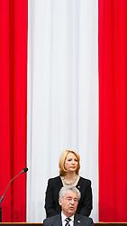08.07.2016, Historischer Sitzungssaal, Wien, AUT, Parlament, Bundesversammlung zur Verabschiedung des scheidenden Bundespräsidenten Fischer, im Bild der scheidende Bundespraesident von Österreich Heinz Fischer vor Nationalratspräsidentin Doris Bures (SPÖ) // outgoing Federal President of Austria Heinz Fischer in front of President of the National Council Doris Bures (SPOe) during farewell ceremony for the federal president of austria at austrian parliament in Vienna, Austria on 2016/07/08, EXPA Pictures © 2016, PhotoCredit: EXPA/ Michael Gruber