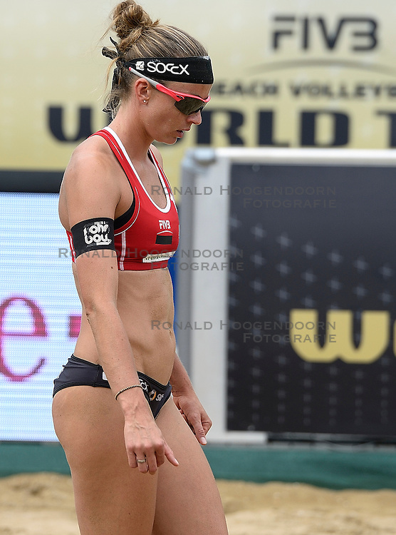 20-07-2014 NED: FIVB Grand Slam Beach Volleybal, Scheveningen<br /> Gold medal match / Katrin Holtwick (1) GER