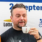 NLD/Almere/20160924 - Start fietstocht BN'ers trappen darmkanker de wereld uit, Arie Koomen
