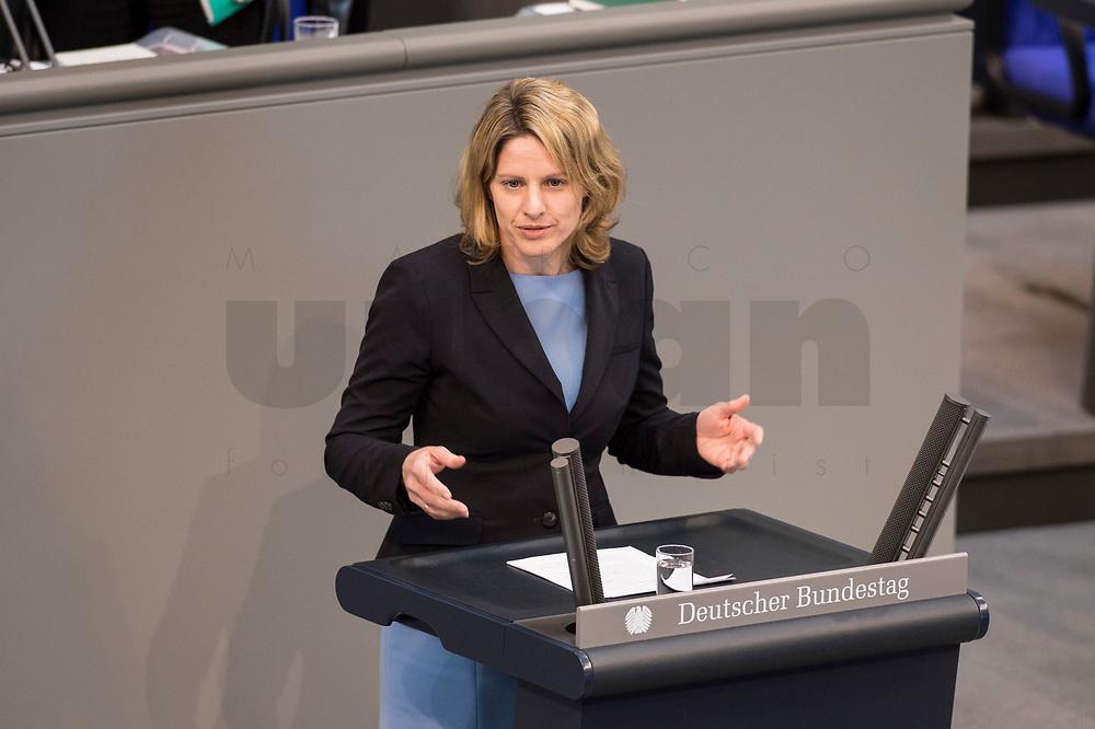 24 MAR 2017, BERLIN/GERMANY:<br /> Dr. Astrid Freudenstein, MdB, CSU, waehrend der Bundestagesdebatte zum Teilhabebericht der Bundesregierung 2016, Plenum, Deutscher Bundestag<br /> IMAGE: 20170324-01-042