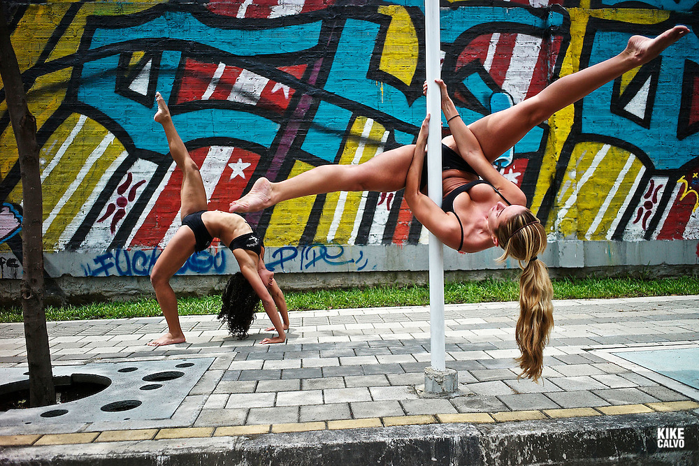 Pole dance is becoming popular in gyms and studios around Latin America. Pin Up Girls Medellin studio is a good example on how latin women get fit with this new form of performing art, a combination of dance and gymnastics, previouly known only in strip clubs. Kelly Alvarez, Colombian Champion 2011 back with Ana Correa on the sign, ..