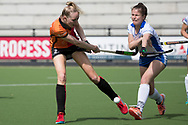Eindhoven - Oranje Rood - Kampong  Dames, Hoofdklasse Hockey Heren, Seizoen 2017-2018, 15-04-2018, Oranje Rood - Kampong 3-1,  Fiona Morgenstern (Oranje-Rood) en <br /> <br /> (c) Willem Vernes Fotografie
