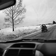 Sulla strada in direzione del villaggio di Sharaghi, Bielorussia 2011