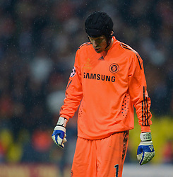 MOSCOW, RUSSIA - Wednesday, May 21, 2008: Chelsea's goalkeeper Petr Cech looks dejected after losing to Manchester United during the UEFA Champions League Final at the Luzhniki Stadium. (Photo by David Rawcliffe/Propaganda)