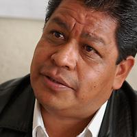 Toluca, Mex.- Luis Zamora Calzada, líder del Sindicato Único de Maestros y Académicos del Estado de México (SUMAEM), afirmó que en veinticuatro horas el Tribunal de Conciliación y Arbitraje del Estado de México deberá resolver sobre la toma de nota para la creación de dicho sindicato. Agencia MVT / Rummenige Velasco. (DIGITAL)<br /> <br /> <br /> <br /> NO ARCHIVAR - NO ARCHIVE