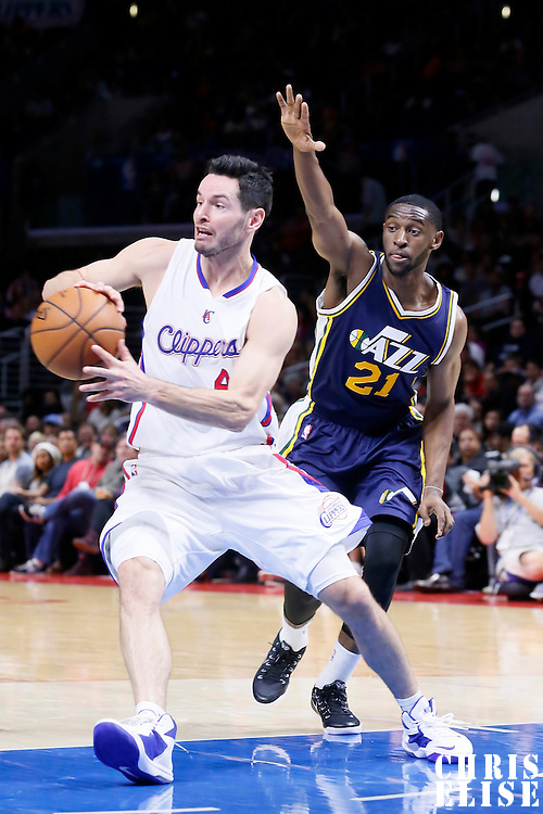 17 October 2014: Los Angeles Clippers guard J.J. Redick (4) passes the ball during the Los Angeles Clippers 101-97 victory over the Utah Jazz, in a preseason game, at the Staples Center, Los Angeles, California, USA.