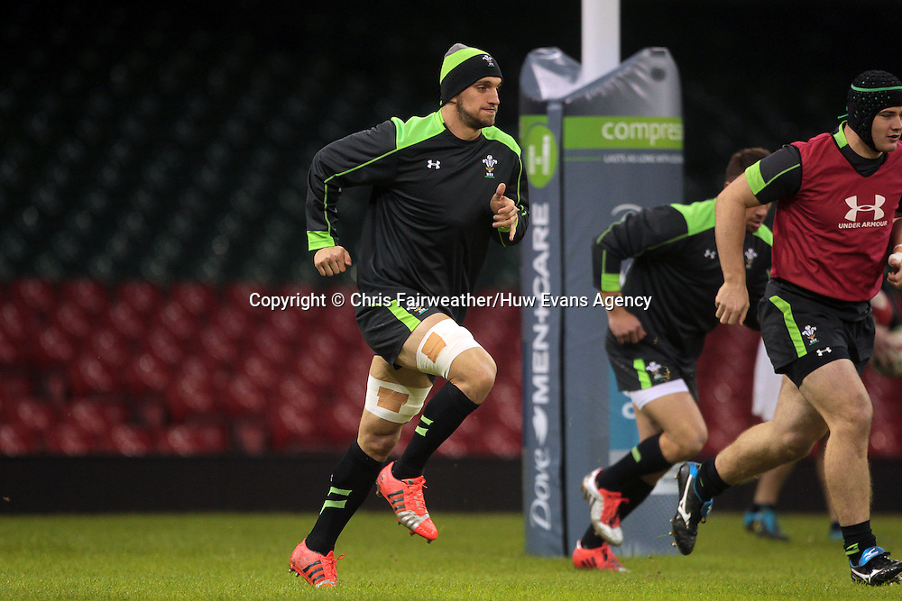 21.11.14 - Wales Rugby Captains Run - Sam Warburton during training.<br /> <br /> &copy; Huw Evans Picture Agency