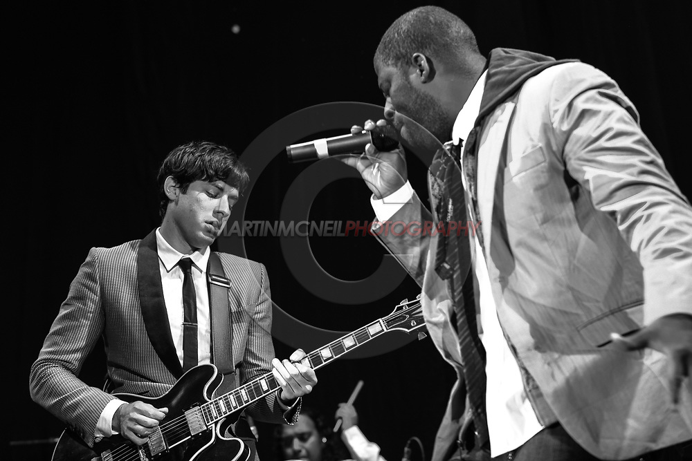 GLASGOW, SCOTLAND, JULY 20, 2008: Mark Ronson (L) and Che Smith, a.k.a. Rhymefest, perform on stage as the opening act in advance of Jay-Z inside the SECC Arena in Glasgow, Scotland (Martin McNeil)